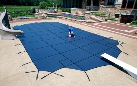 How to Close an In-Ground Pool